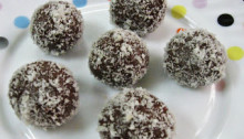 Chocolate Biscuilt Balls