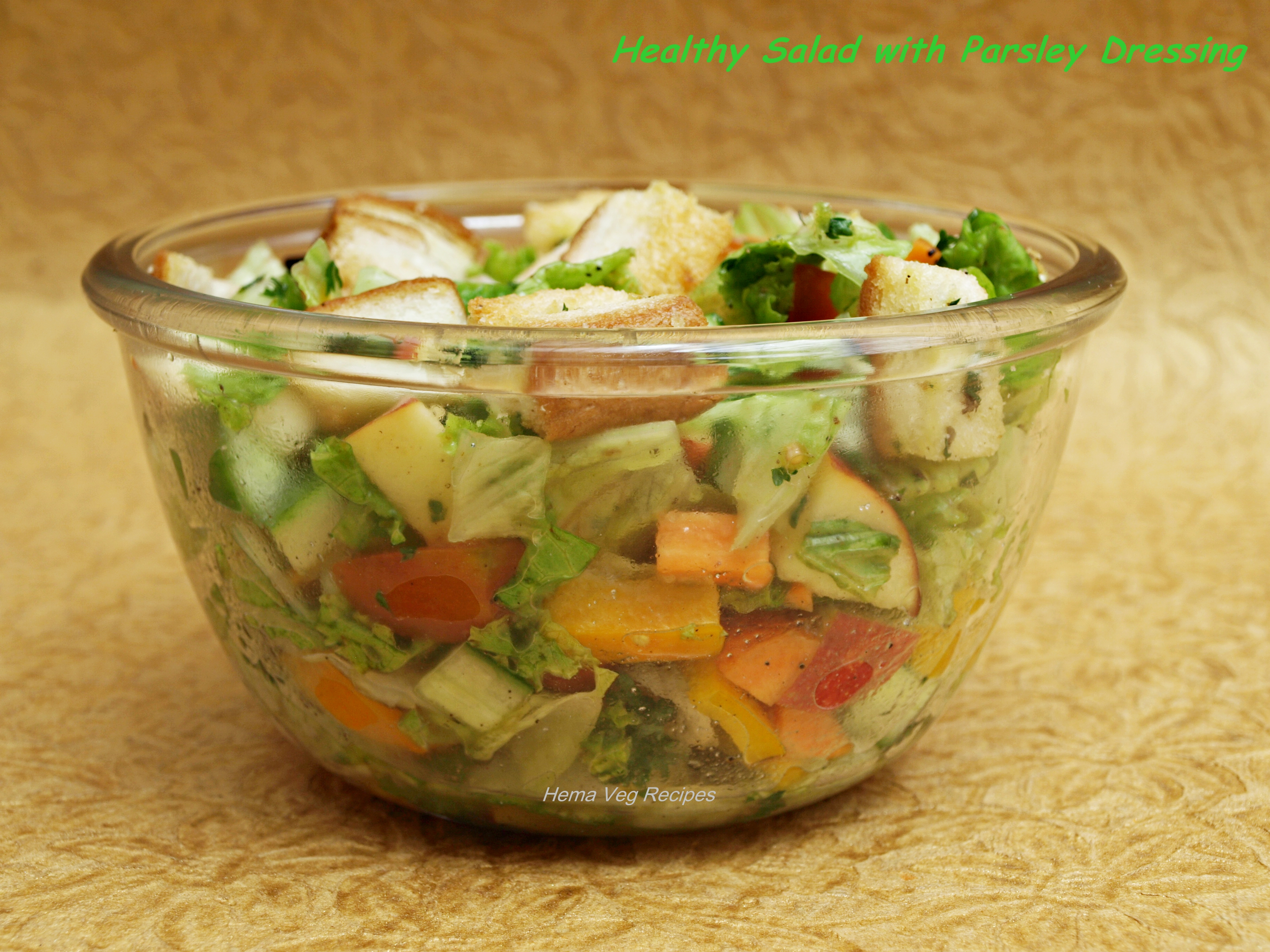 healthy-salad-with-parsley-dressing-preparation