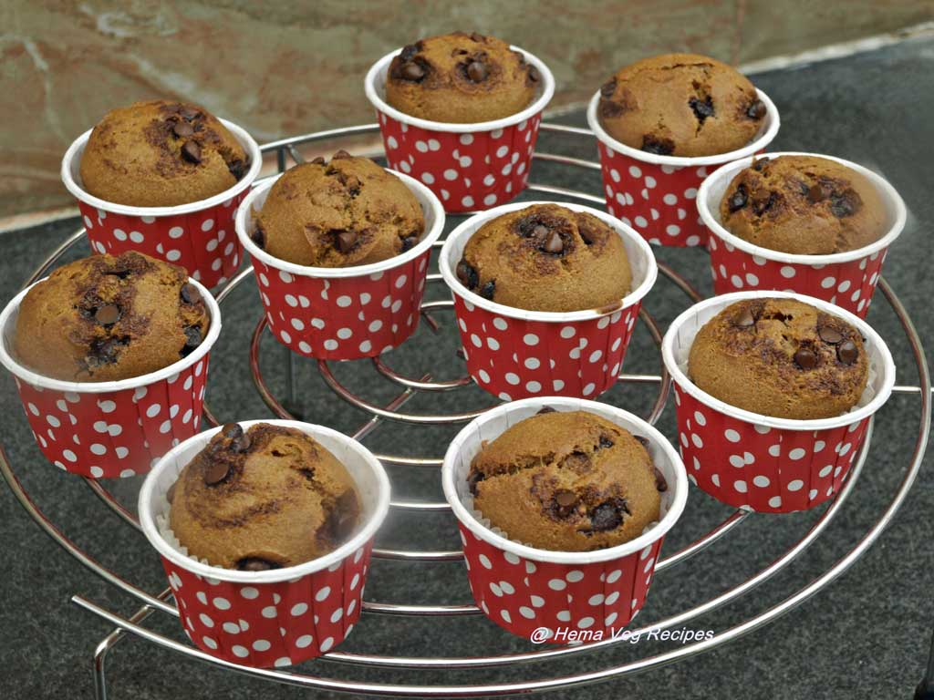 Eggless-Whole-Wheat-Chocolate-Chips-Muffins